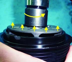 instrukcja demontażu napędu kompresora, naprawa kompresorów klimatyzacji