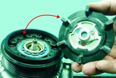 instrukcja montażu napędu sprężarki, naprawa klimatyzacji samochodowej